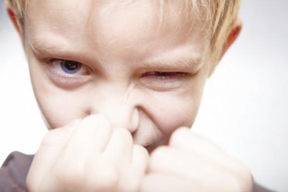 Cosa fare se tuo figlio ti tratta male