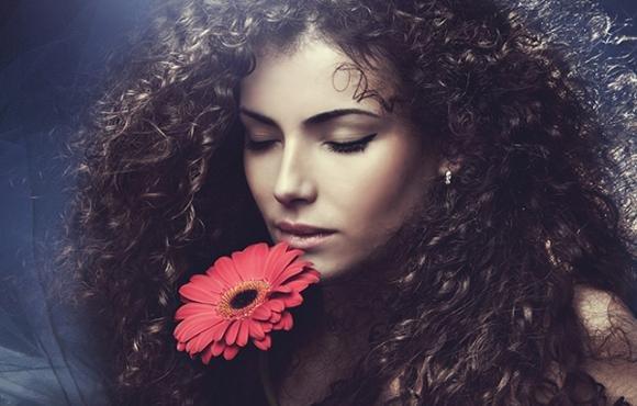 Ecco come prendersi cura dei capelli ricci