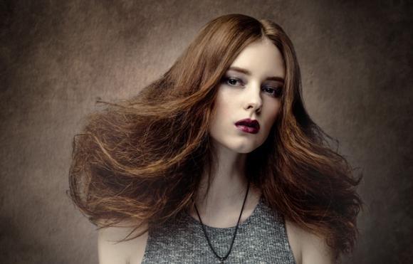 Ecco i rimedi naturali per capelli crespi