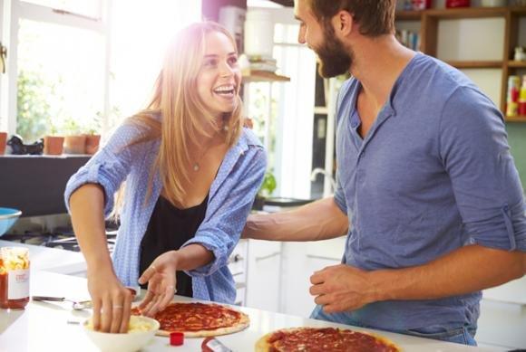 10 motivi per uscire con un uomo che sa cucinare