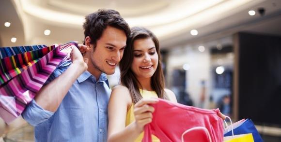 Ecco perché gli uomini odiano fare shopping con le donne