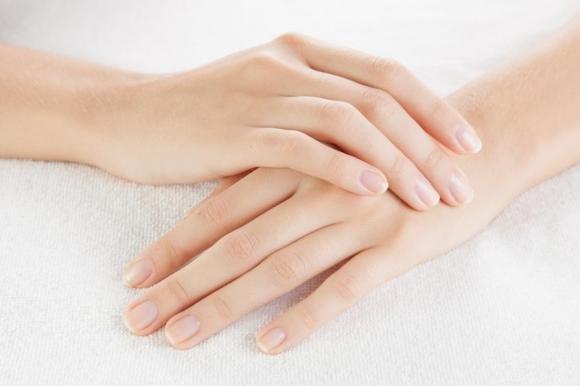 Formicolio alle mani: cause e rimedi