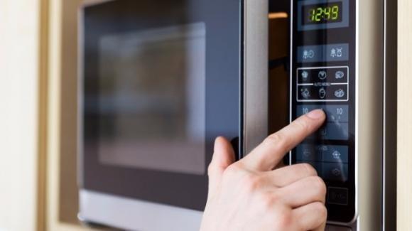 Alcuni alimenti non andrebbero mai riscaldati. Ecco quali sono