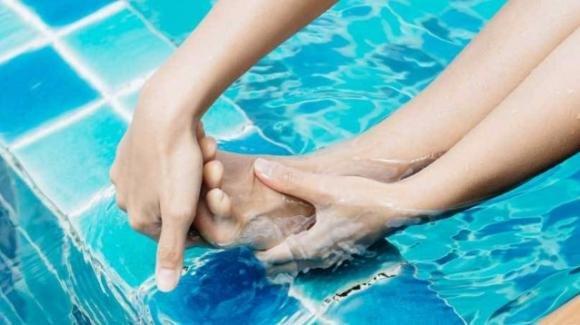 Crampi in acqua? Ecco alcuni rimedi veloci ed efficaci