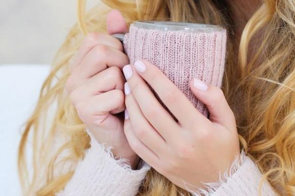 Manicure rosa nude: ecco il colore più alla moda del 2016