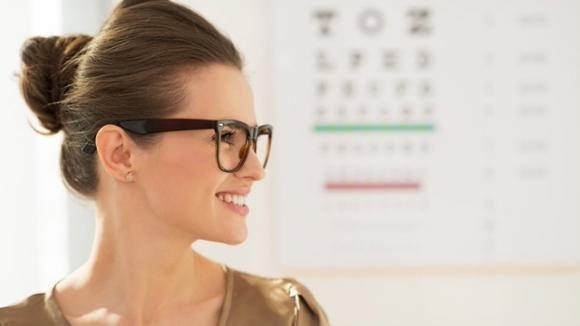 Ecco come ridurre la miopia senza nessun intervento laser