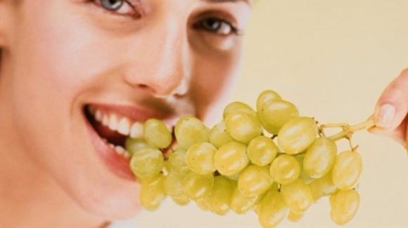 La dieta dell'uva per disintossicarsi e dimagrire