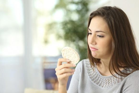 Perché è così difficile seguire una dieta? Ecco il motivo