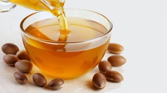 Olio di argan: come usarlo per eliminare macchie e cicatrici