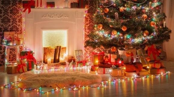 Luci natalizie: come decorare casa con le luci