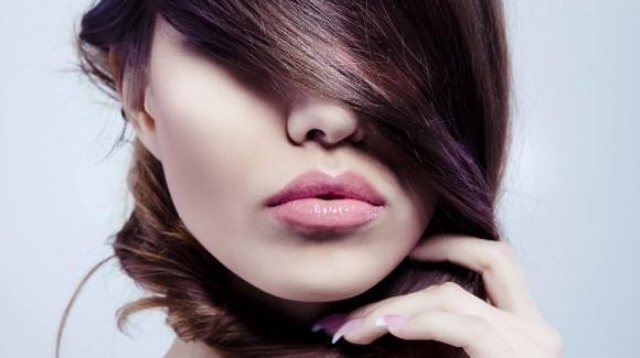 8 rimedi naturali per combattere i capelli grassi