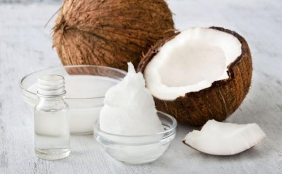 Olio di cocco: proprietà e come usarlo