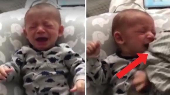 Il neonato piange perché vuole la mamma. Ecco come riesce a calmarlo il suo papà