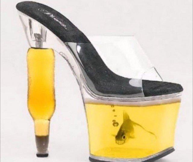 Sono le scarpe più strane del mondo. Solo guardandole ti