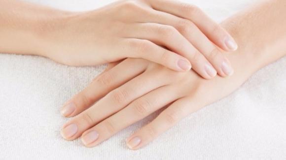 Onicofagia: i motivi del mangiarsi le unghie