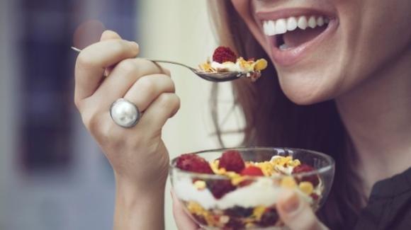 Cosa mangiare nella pausa pranzo per restare in forma