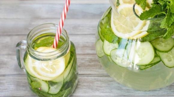 Acqua detox: come prepararla