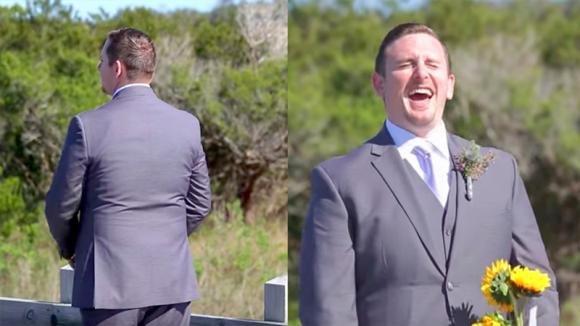 Quest'uomo aspetta di vedere la sposa ma lei non indossa l'abito nuziale