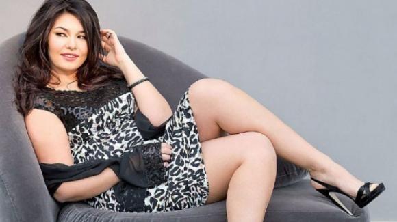 Consigli e trucchi di moda per le donne curvy