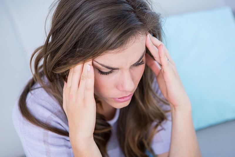 Giramenti di testa continui: sintomi, cause e rimedi