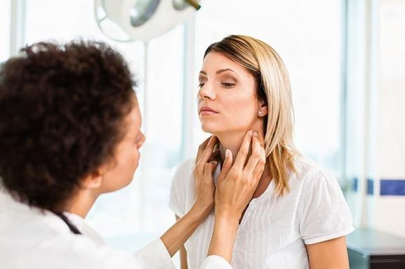 Morbo di Basedow: sintomi, cause e terapia
