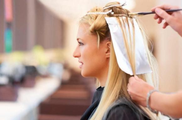 Colpi di sole: come sceglierli in base al colore dei capelli