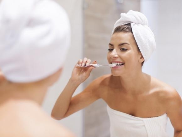 Carie dentale: sintomi, rimedi e come prevenirla