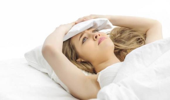 Apnea notturna: cause, sintomi, cura e rimedi naturali