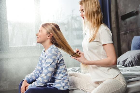 Come eliminare i pidocchi dai capelli con l'aceto in modo naturale