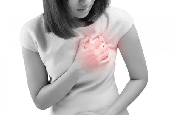 Dolore al seno: cause più comuni, rimedi e quando preoccuparsi