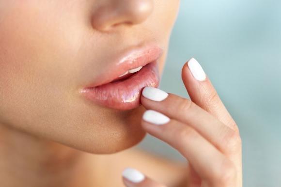 herpes e labbro superiore gonfiore