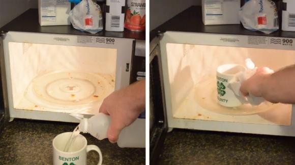 Mette una tazza di aceto nel microonde e ottiene un risultato fantastico