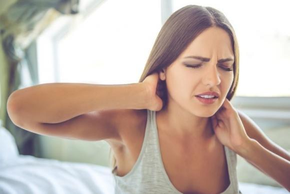 Come curare la cervicale con metodi naturali e la ginnastica posturale