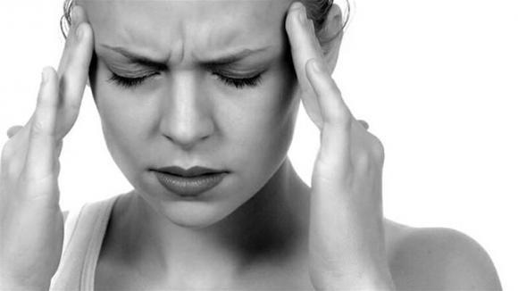 Aneurisma cerebrale: sintomi premonitori, cause e conseguenze