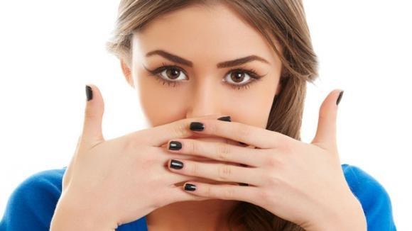 Bolle sulla lingua: cause e rimedi efficaci