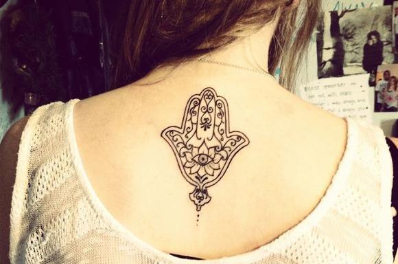 Tatuaggio Mano di Fatima: significato e dove farlo