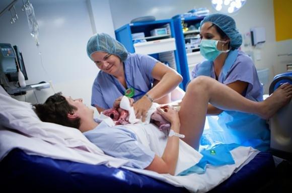 Manovre di Kristeller durante il parto: cosa sono e a cosa servono