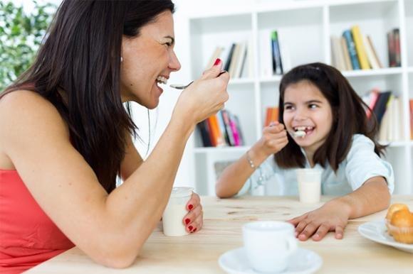 Proprietà dello yogurt: benefici per la salute e quando mangiarlo