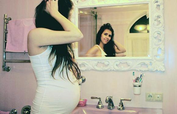 Shampoo colorante in gravidanza: ecco quale utilizzare in sicurezza