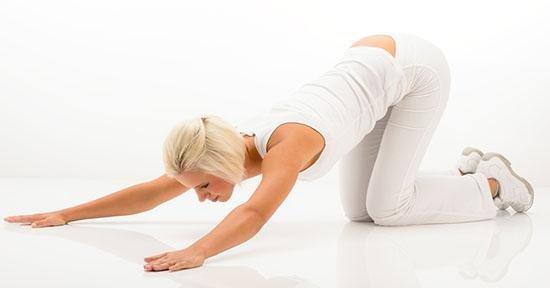 Ecco alcuni esercizi di allungamento per ridurre il mal di..