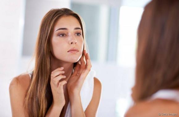 Comedoni sul viso: cosa sono e come possiamo eliminarli