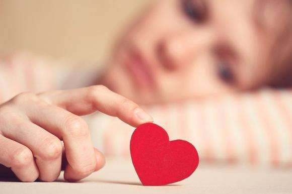 Come superare le delusioni d'amore rapidamente e voltare pagina
