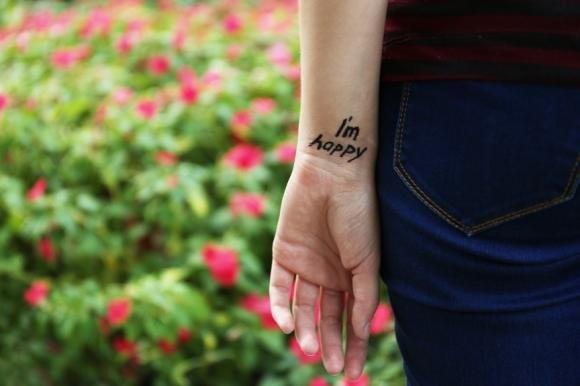 Frasi da tatuare: idee e consigli su dove tatuarle