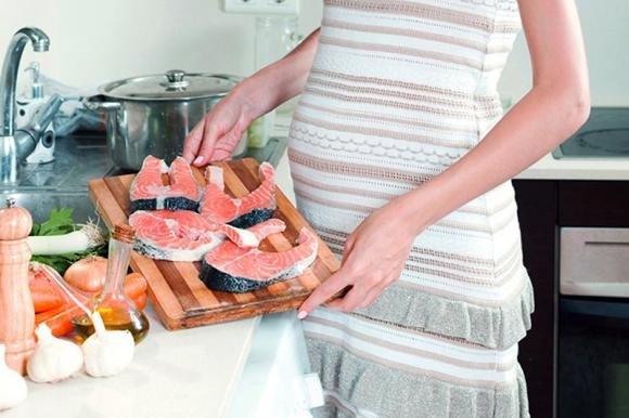 Salmone affumicato in gravidanza: si può mangiare?