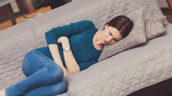 Crampi addominali: cosa fare e cosa non fare in presenza di questo disturbo