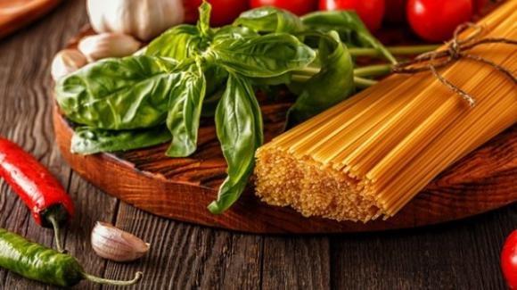 Dieta mediterranea: caratteristiche, pro e contro