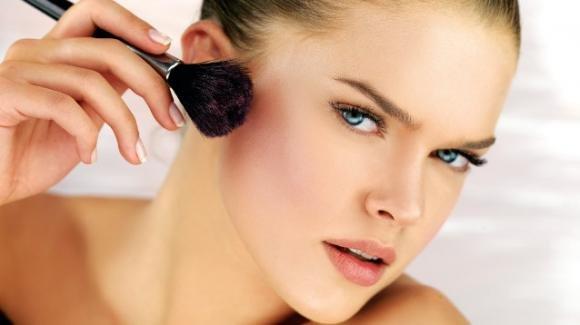 Recensione di Blush Expert in polvere, Astra Make up