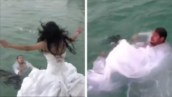 Si tuffano in mare per festeggiare il matrimonio: la sposa rischia di annegare per il suo abito