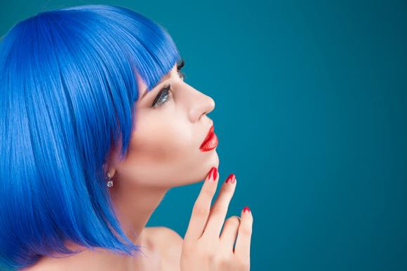 Come fare i capelli blu: tinta o shatush blu?