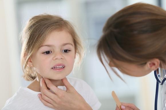 Adenoidi nei bambini: cosa sono e quando toglierle